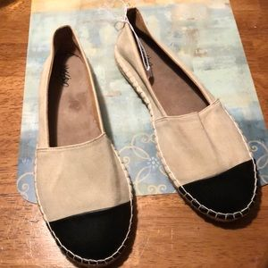 NWOT Mossimo shoes